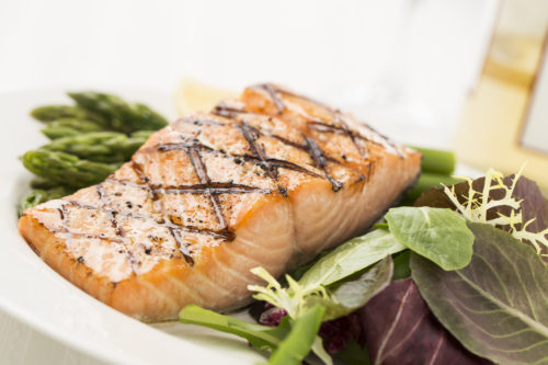 Grilled Salmon with Asparagus and Salad
