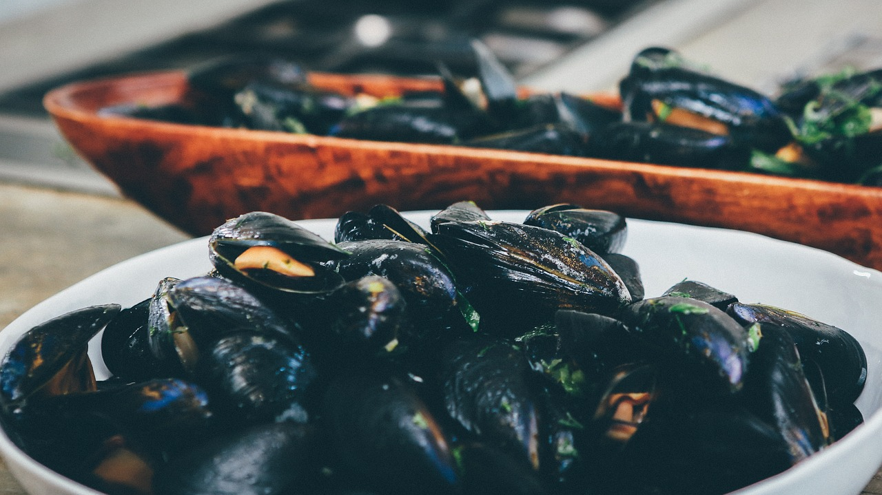 Steamed Mussels with Coconut milk, Ginger, Lemongrass and Green Beans